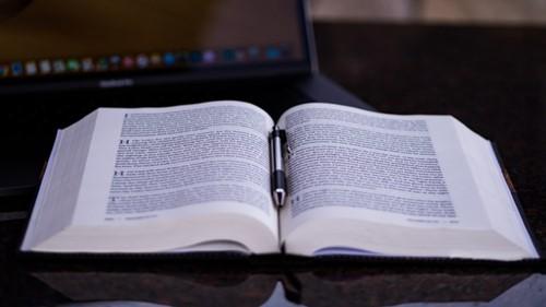 Bible,pen,study the Bible