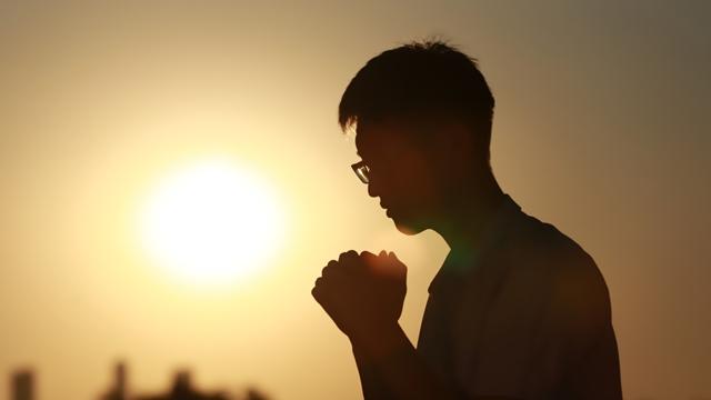 Προσευχήσου στο Θεό,το ηλιοβασίλεμα